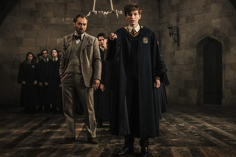 Dumbledore, a varázslóoktató, a gyermekek gyámja valójában homoszexuális.