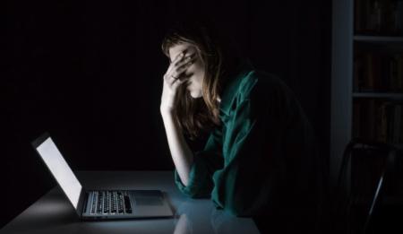 a közössegi media hasznalata növelheti a depresszio es a maganyossag erzeset